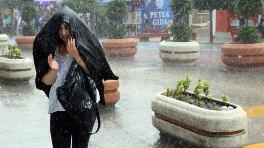 Son dakika: Balkanlar'dan geliyor! Meteoroloji'den bütün yurda kuvvetli sağanak yağış uyarısı
