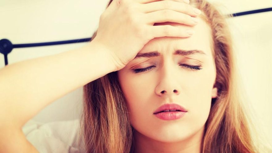 Migrenin belirtileri: Baş ağrısı yaratan migren nasıl anlaşılır?