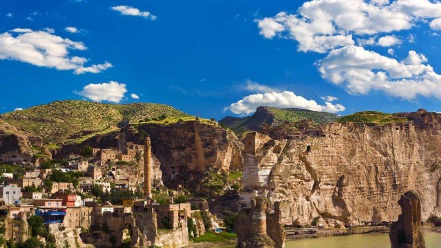 Hasankeyf'in gezilecek yerleri: Kayalar kenti Hasankeyf…