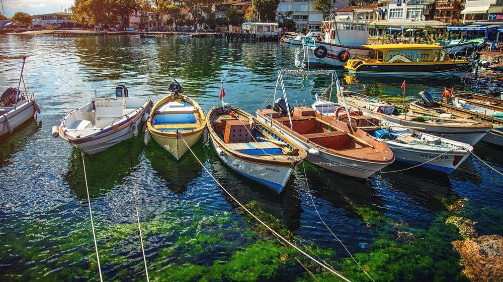 Burgazada'nın gezilecek yerleri: Pırıl pırıl denizi ile Burgazada...