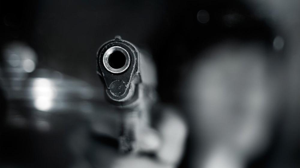 İzmir'de silahlı kavga: Biri polis 5 yaralı
