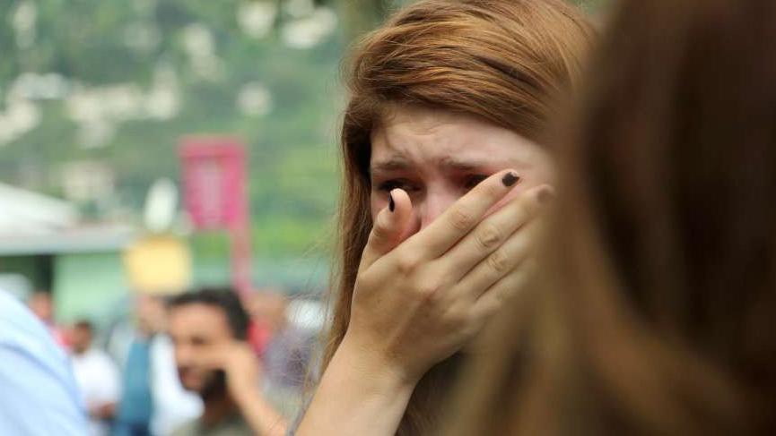 Binada yaşayanlar gözyaşlarına boğuldu