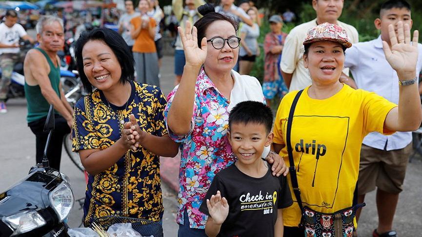 Tayland'da çocukların hepsi kurtarıldı