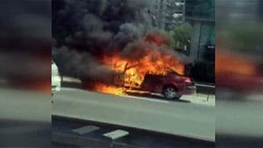 TEM'de araç yangını trafiği kilitledi