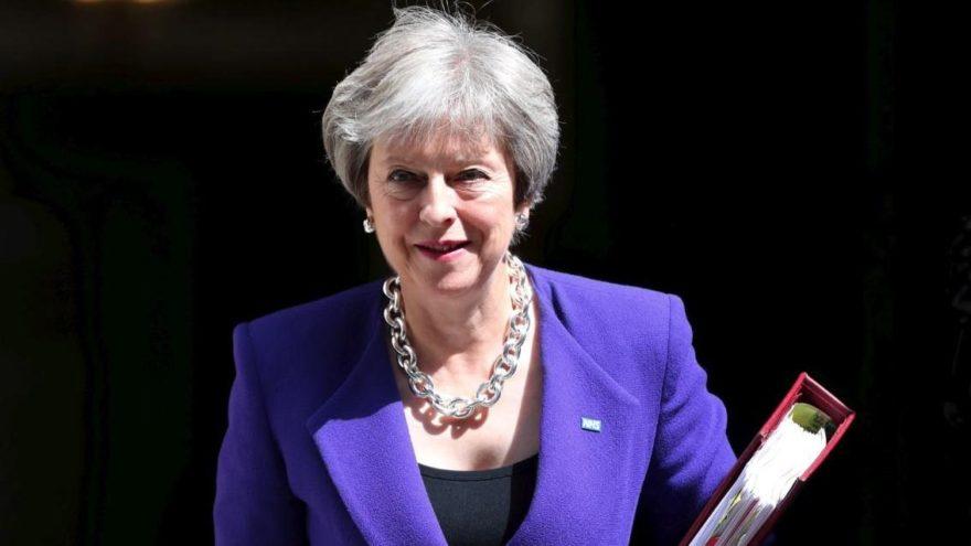 İngiltere'de kaos: Başbakana tepki gösteren bakan istifa etti