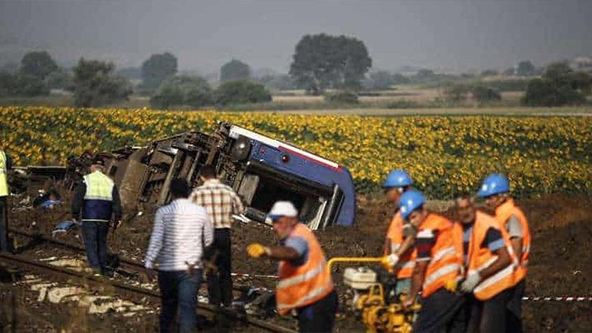 Çorlu'daki feci tren kazasında ölü sayısı 25 oldu