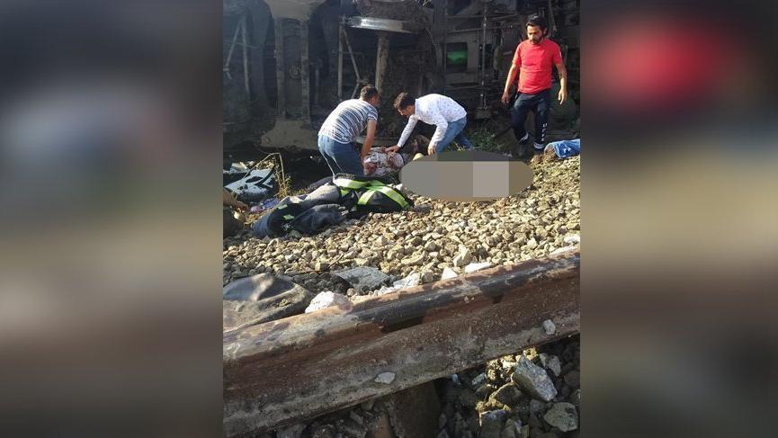 Son Dakika... Tekirdağ'da tren devrildi! Sağlık Bakanlığı: 10 ölü 73 yaralı var