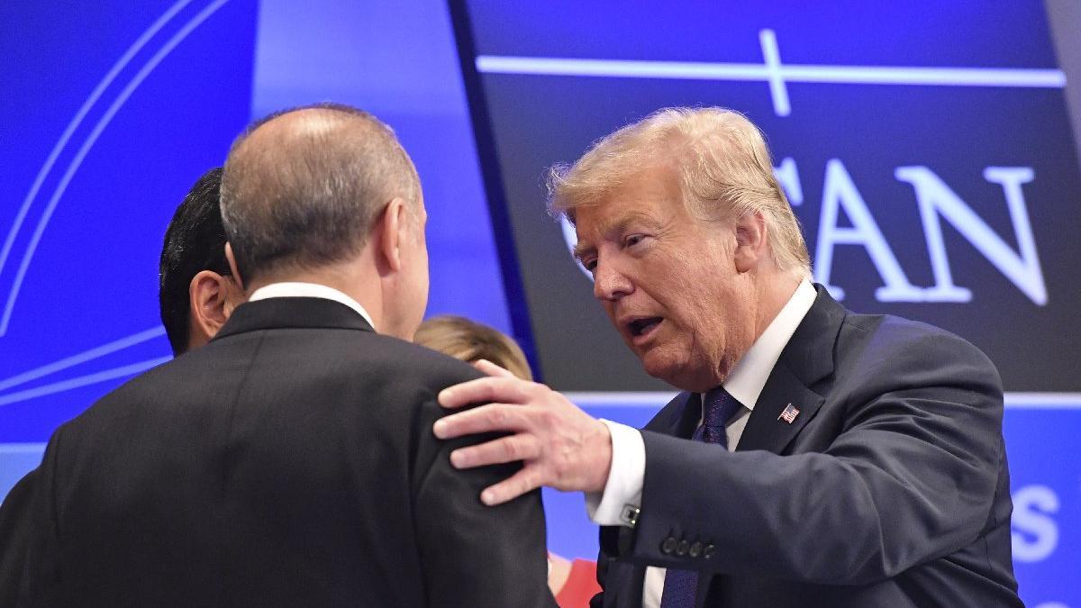 Trump'tan NATO'da Erdoğan'a 'yumruk çakma'