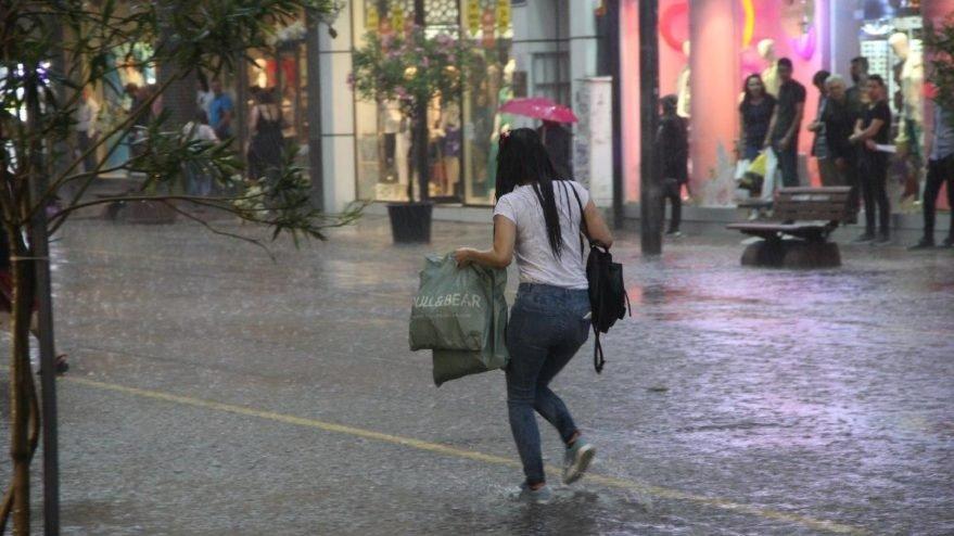 Güneşli havaya aldanmayın! Meteoroloji'den birçok ile sağanak uyarısı… İşte hava durumu tahminleri