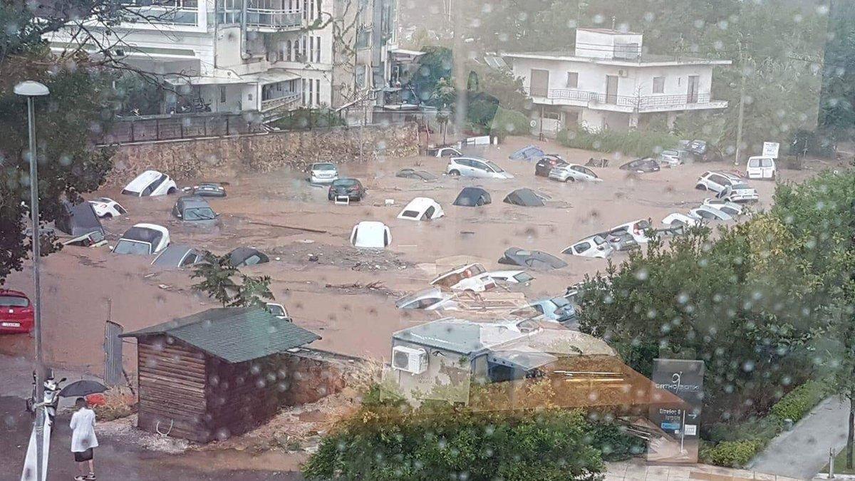 Yunanistan'da felaket üstüne felaket... Şimdi de sel vurdu!