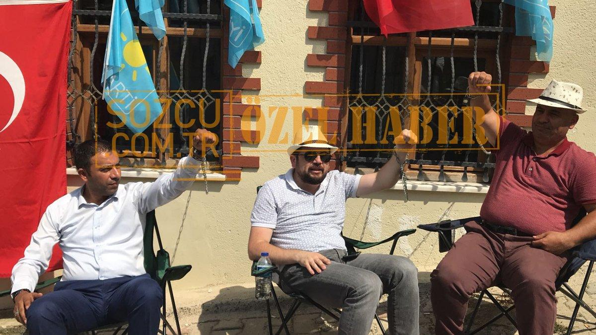 Meral Akşener'in evinde zincirli eylem