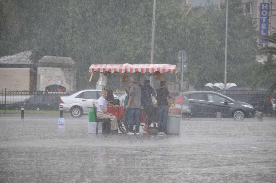 istanbul-yagmur-foto-iha-dha-11