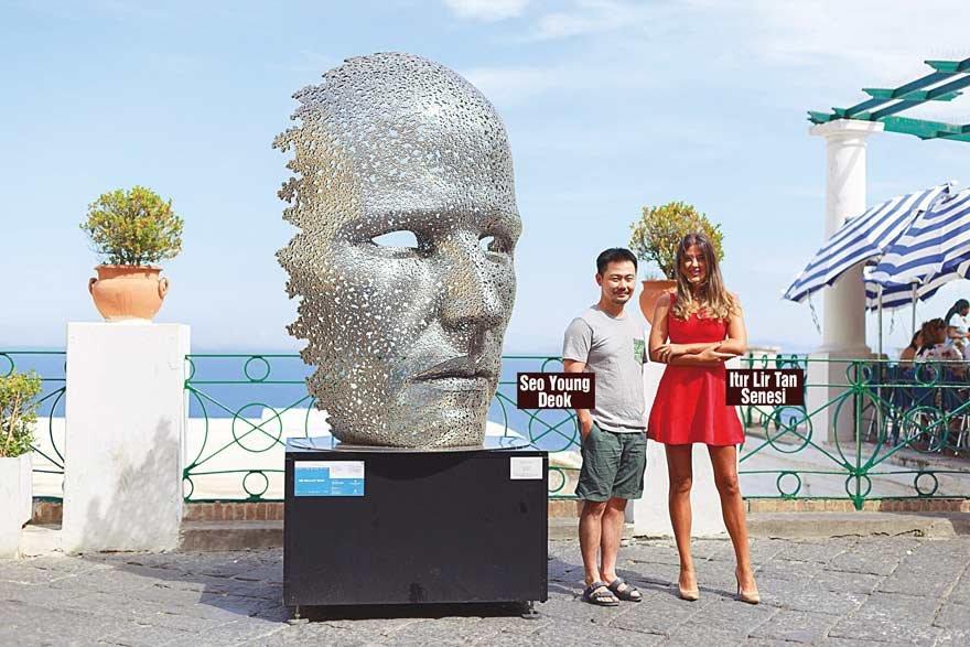 Güney Koreli sanatçı Seo Young Deok'un eserleri adanın önemli noktalarında sergilenecek.