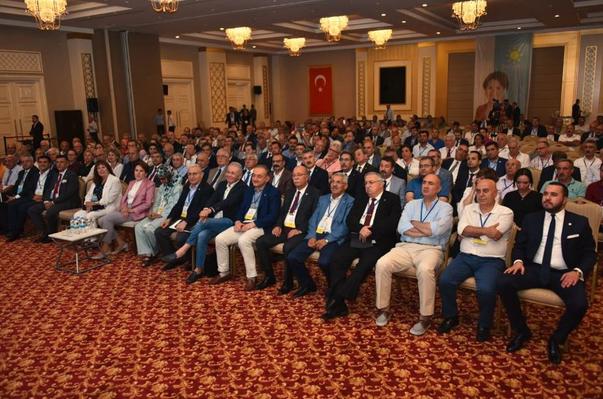 İYİ Parti Afyonkarahisar'da çalıştay gerçekleştiriyordu.