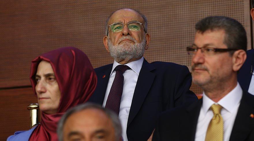 Cumhurbaşkanı Recep Tayyip Erdoğan TBMM Genel Kurulunda yemin etti. Yemin törenini Saadet Partisi Genel Başkanı Temel Karamollaoğlu da izledi.