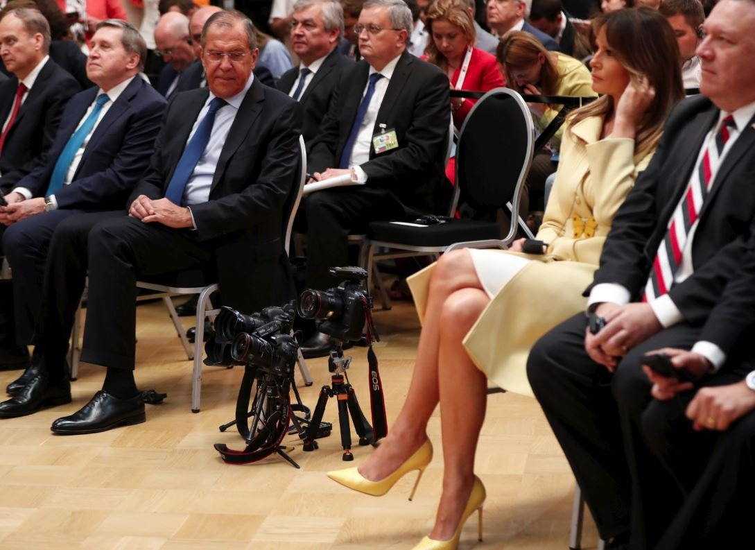 Lavrov'un bu karesi sosyal medyada tartışma yarattı.