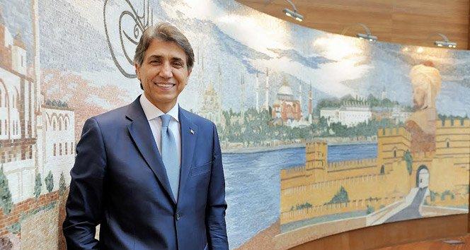 2 dömendir Fatih Belediye Başkanlığı görevini yürüten Mustafa Demir, görevinden istifa ederek aday olduğu AKP sıralarından milletvekili olarak Meclis'e girdi.