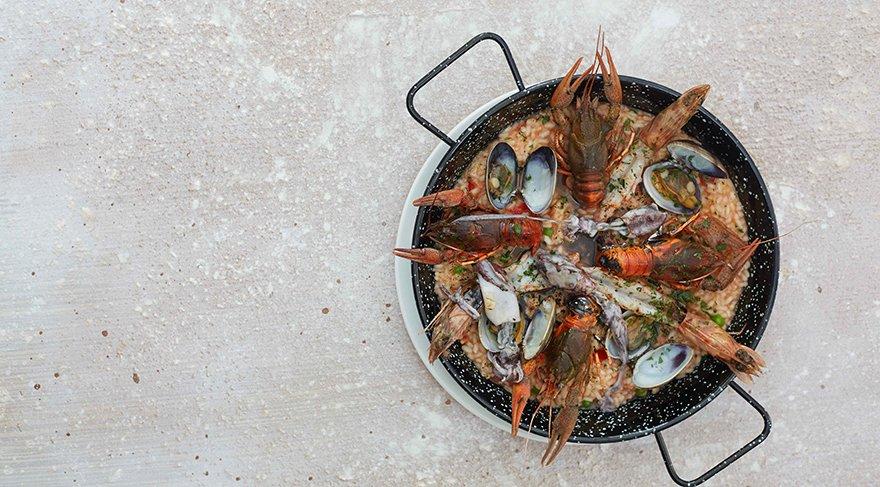 orhaniyeden-deniz-urunlu-domatesli-pilav