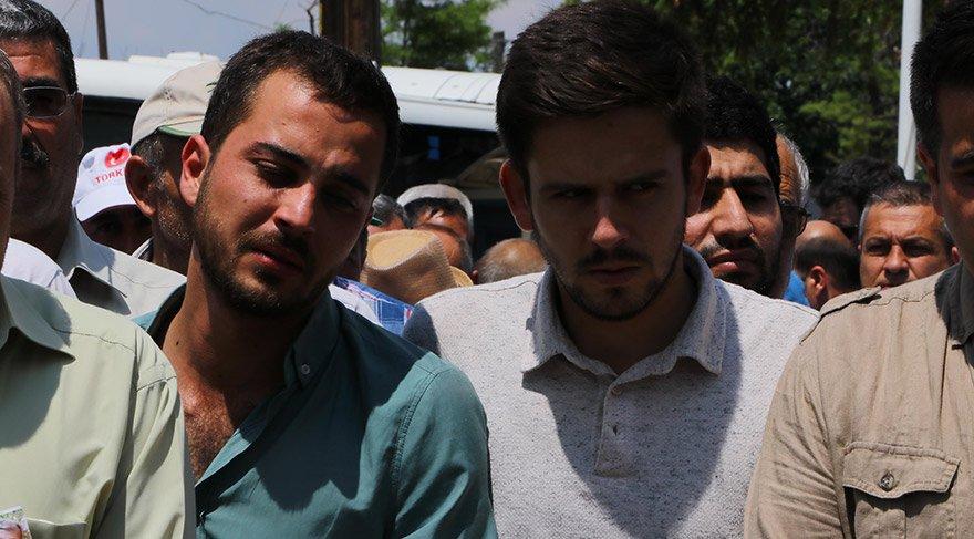 Tekirdağ'ın Çorlu ilçesi yakınlarında meydana gelen tren kazasında hayatını kaydeden Özcan Cesur (47), son yolculuğuna uğurlandı. Cesur'un çocukları cenazede ayakta durmakta güçlük çekti.