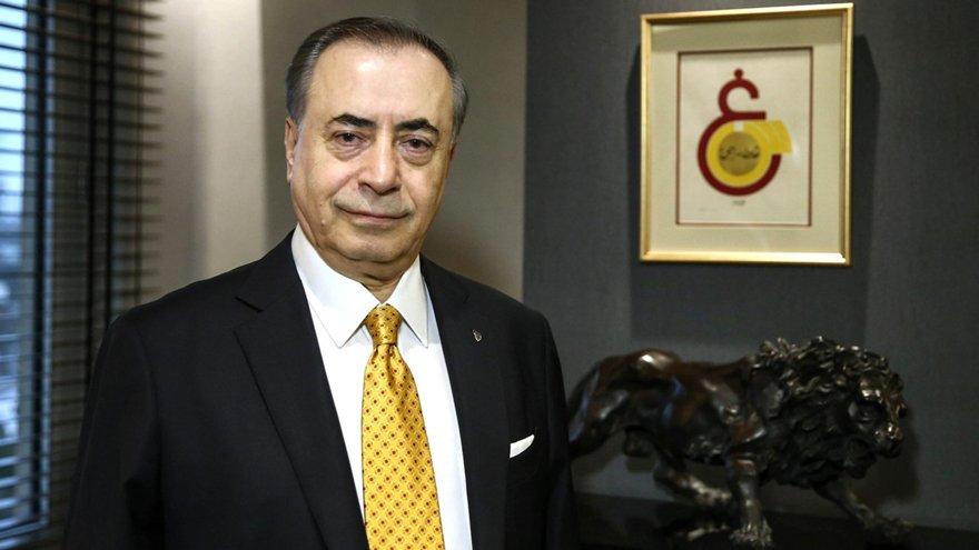 """Galatasaray Kulübü Başkanı Mustafa Cengiz suskun kaldı, """"Bu konuda konuşamam"""" dedi... Açılışı engellemek için havuz çevresindeki döşemeler söküldü."""