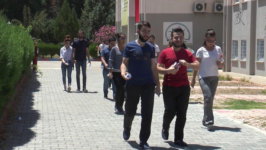 Gaziantep'te YKS'den çıkan adaylar. Fotoğraf: İHA