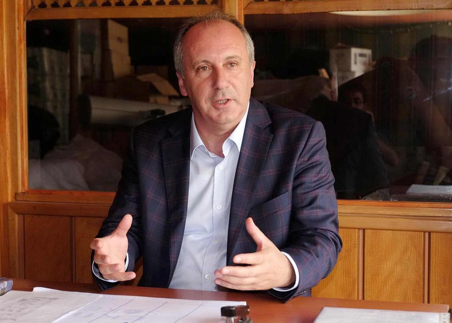 """SONUNA KADAR DEMOKRASİ LAZIM CHP'li Muharrem İnce, """"CHP'nin yeniden umut olabilmesi için sıra dışı işler yapması lazım. Yoksa başarısız olur. Sonuna kadar demokrasi demesi lazım"""" ifadelerini kullandı."""