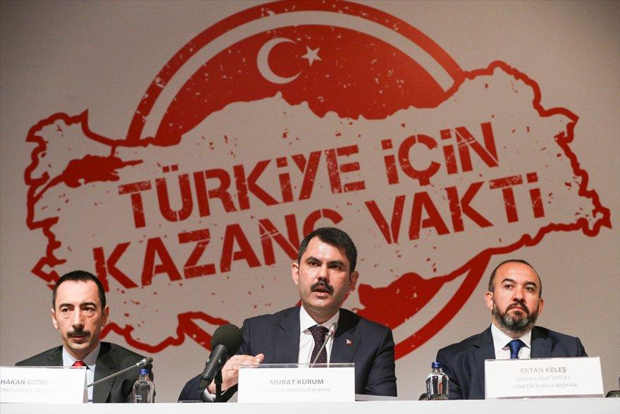 Bakan Murat Kurum (ortada) tarafından dün İstanbul'da düzenlenen toplantıya Türkiye'nin en çok okunan gazetesi davet edilmedi.