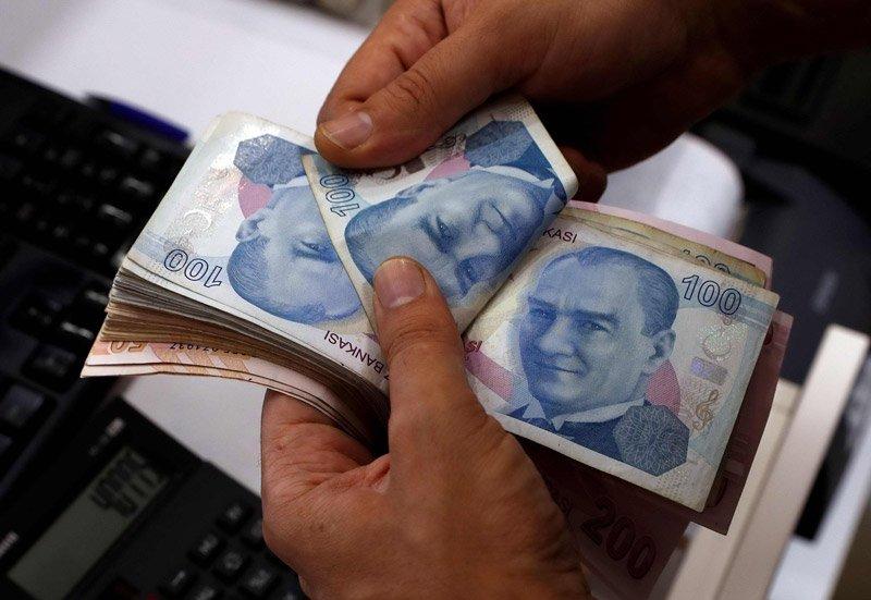 KKTC'de yeni asgari ücret, saatlik 15.2, günlük 120.92, haftalık ise 604.2 TL'ye yükseltildi.