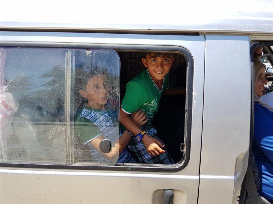 Suriyeli aileler çadır kenti bir bir terk ediyorlar. AA