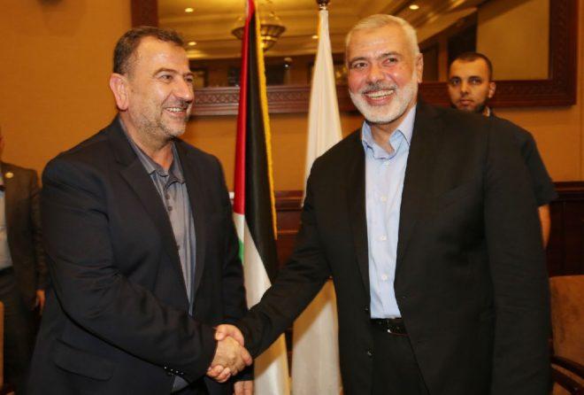 Aruri (solda) 12 yıl sonra Gazze'ye geri döndü.