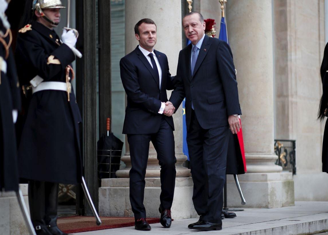 Macron ve Erdoğan sık sık bir araya geliyor.