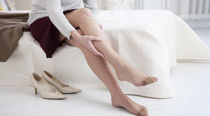 Diyabetik nöropati, genellikle ayaklarda ortaya çıkıyor.