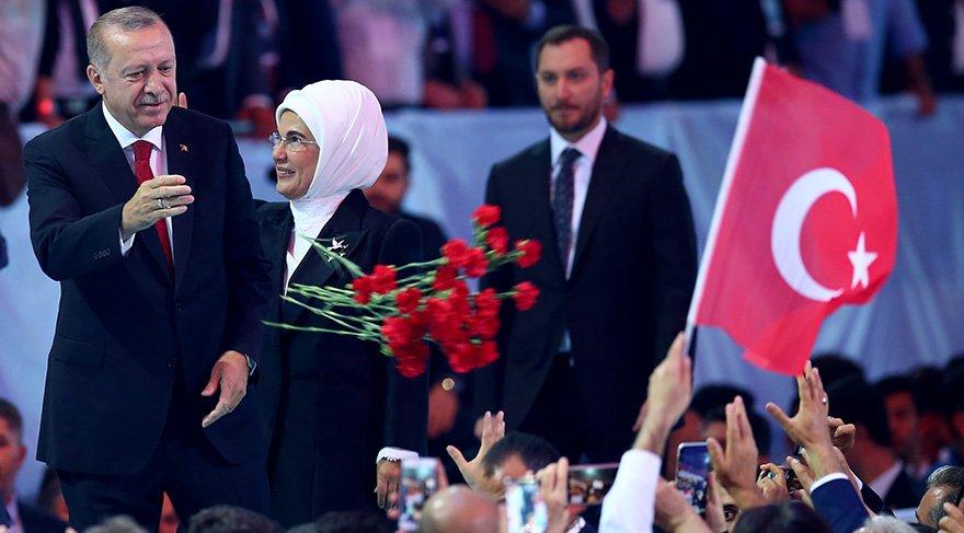 Recep Tayyip Erdoğan, who entered his congress hall with his wife Emine Erdogan, carnetsparty