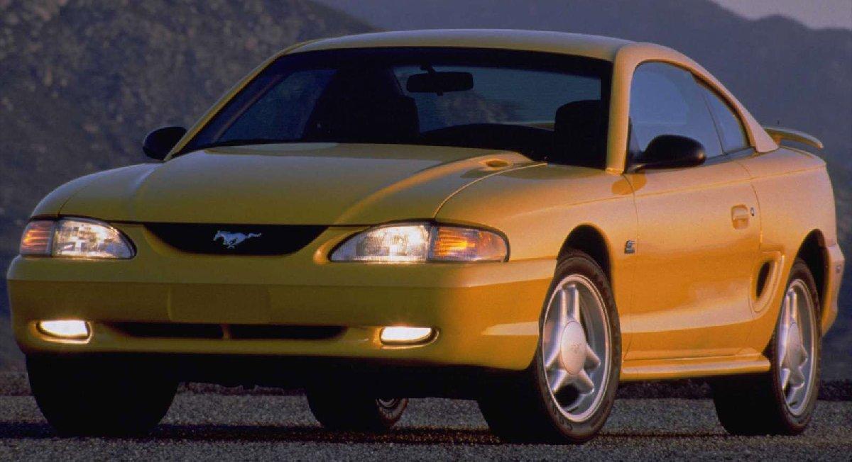 ford-mustang_gt-1994-1600-01-kopya