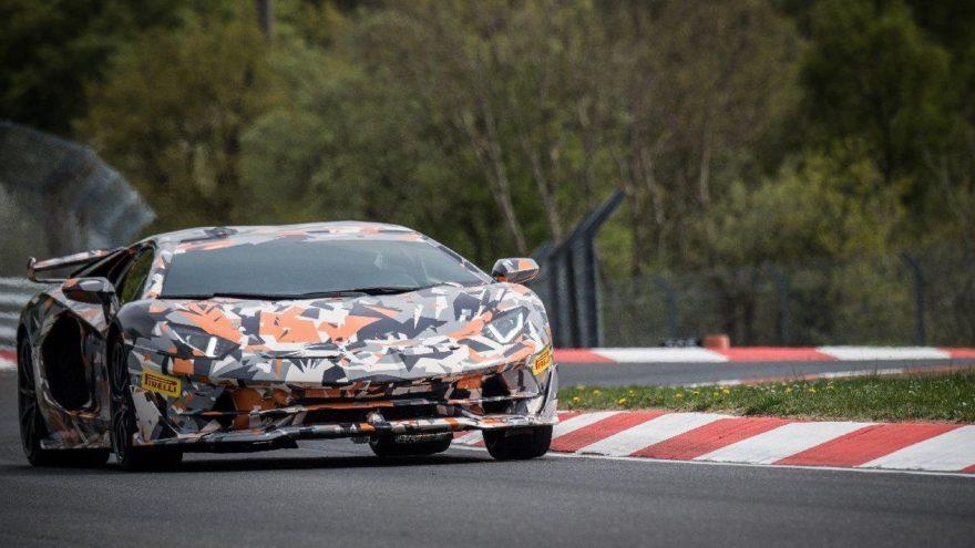 Lamborghini'nin rekorunda Pirelli imzası!