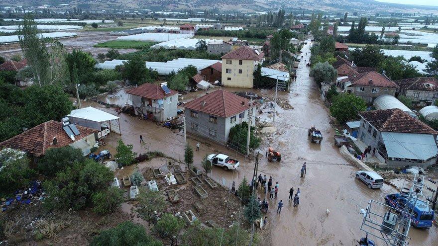 Antalya'yı 24 saat içinde ikinci kez sel vurdu