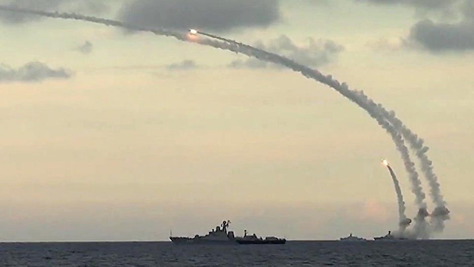 Akdeniz ısınıyor... 3 gemi daha harekete geçti