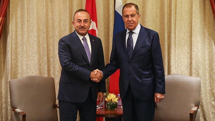 Çavuşoğlu Singapur'da Lavrov'la bir araya geldi