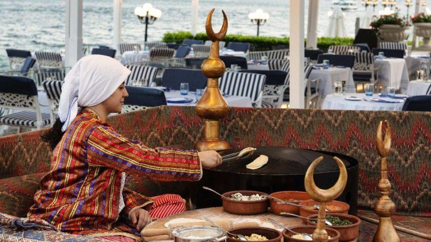 Boğazda açık büfe keyfi Bosphorus Grill'de….