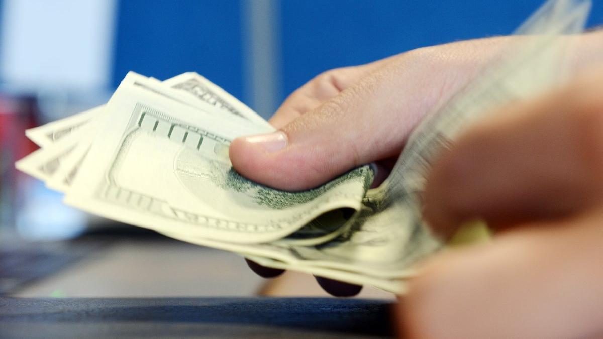 Dolar ne kadar oldu? ABD'den Türkiye'ye yaptırım geldi dolar tarihi zirveyi gördü!
