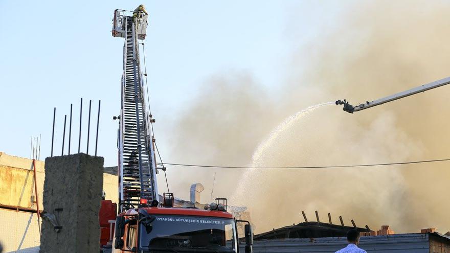 Son dakika İstanbul'da fabrika yangını!