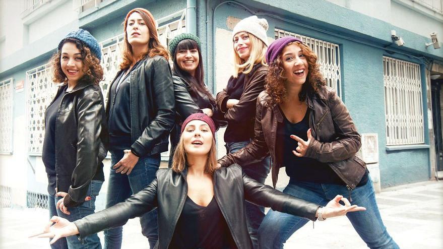 Dünyanın ilk kadın stand-up grubu: Çok da Fifi Hatunlar