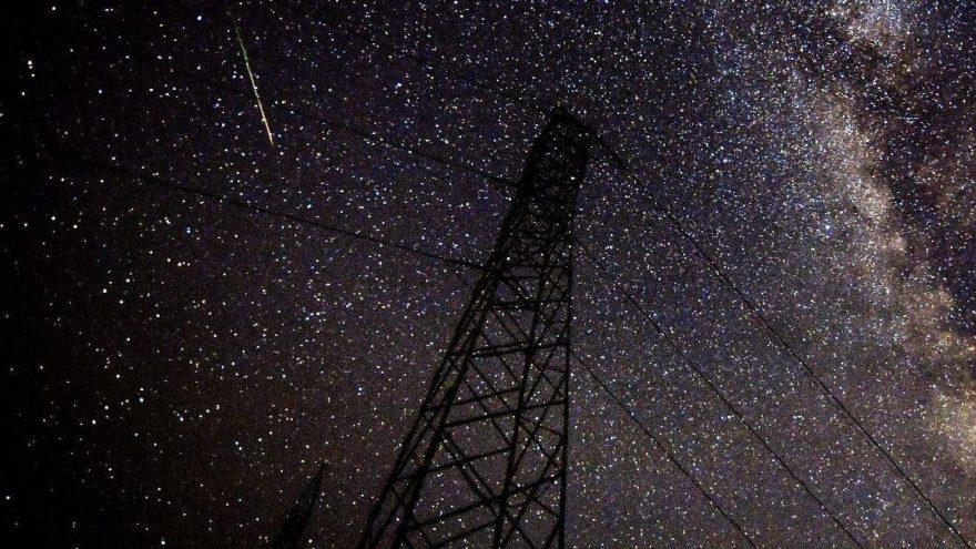 Dünya gözlerini göğe dikti! Meteor yağmuru muhteşem manzaralar sundu…