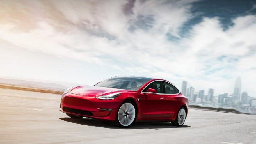 Tesla'dan tarihi karar!