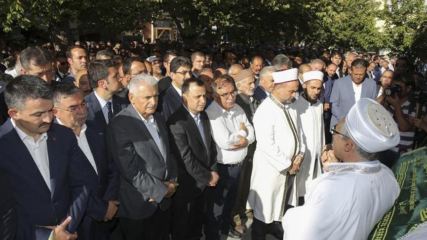 Eski MEB Bakanı İsmet Yılmaz'ın acı günü