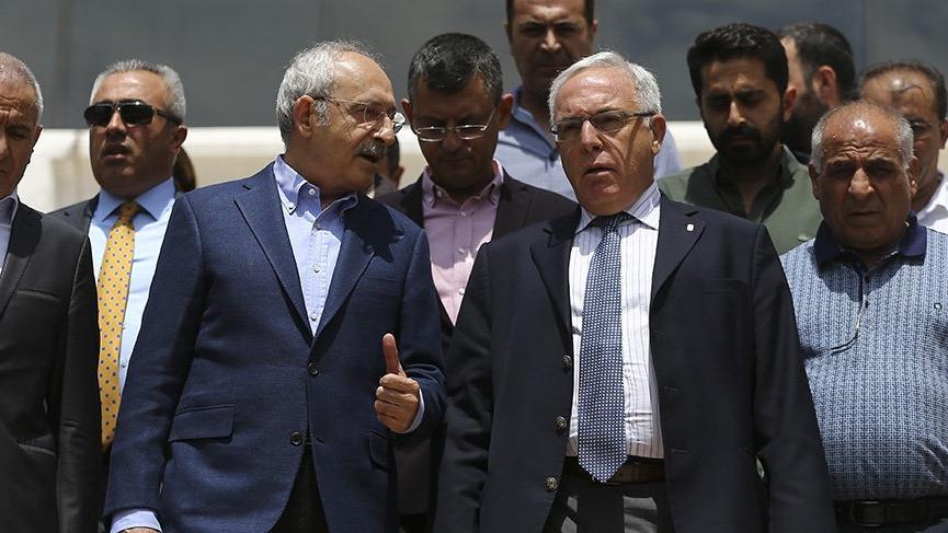 Kılıçdaroğlu, rahatsızlık geçiren Polat Şaroğlu'nu ziyaret etti