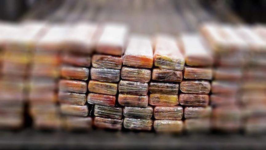 Meksika'da uyuşturucu operasyonu! Teknede bin 860 kilo kokain ele geçirildi