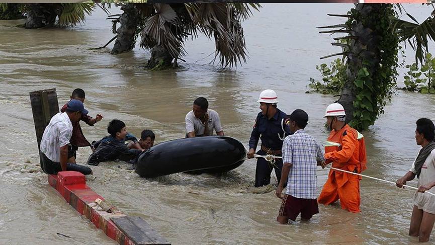 Myanmar'da köyler sular altında kaldı: 50 bin kişi tahliye edildi