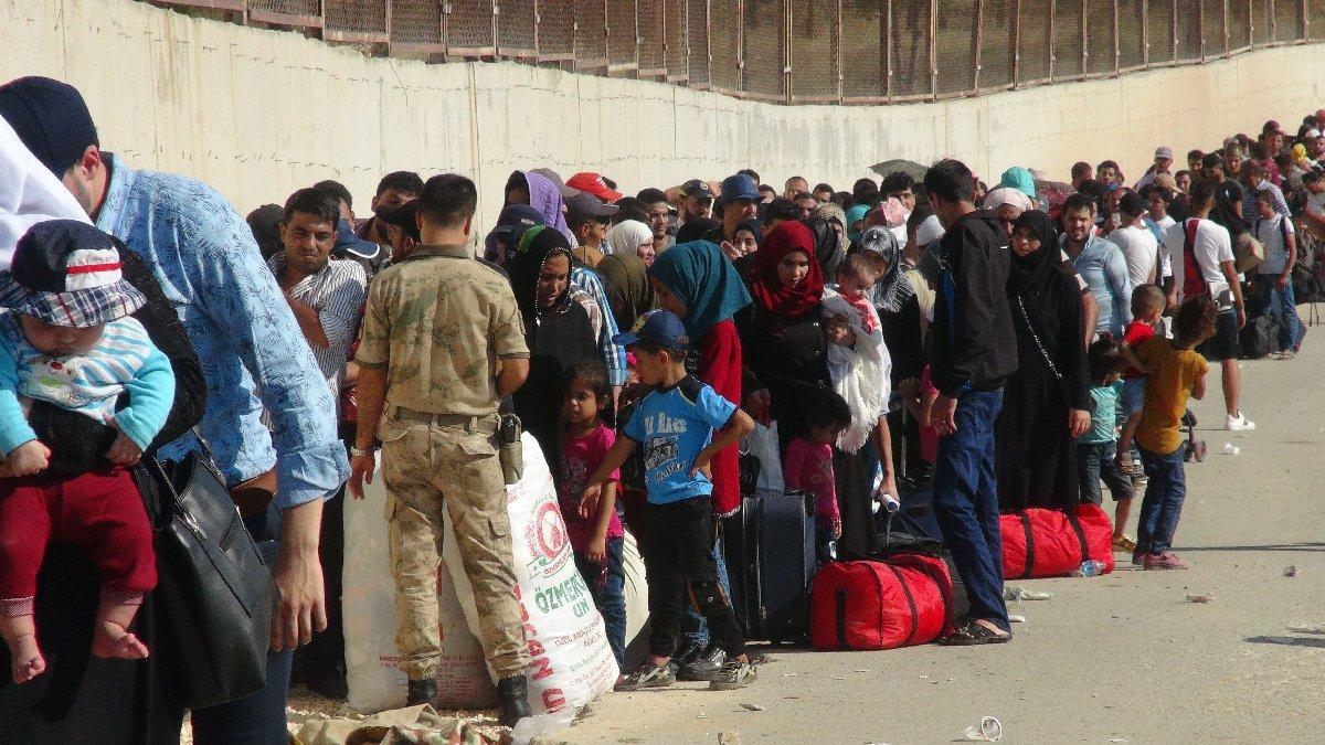 Suriyeliler bayram için gidiyorlar