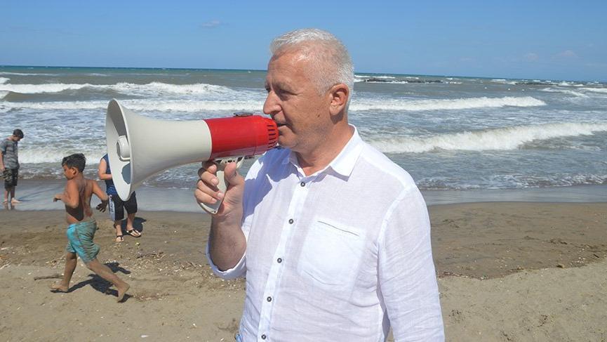 Belediye başkanından megafonla 'denize girmeyin' uyarısı